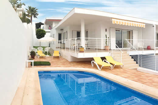 £1155.00 for Almeria self catering holiday