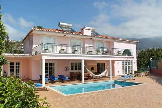 £1078.00 for Madeira self catering holiday
