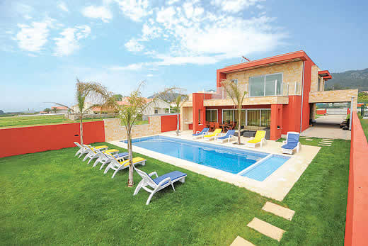 £937.00 for Costa Verde self catering holiday