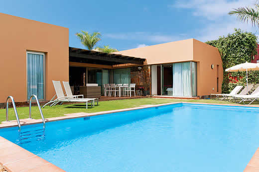 £1316.00 for Gran Canaria self catering holiday