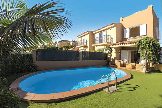 £1624.00 for Gran Canaria self catering holiday