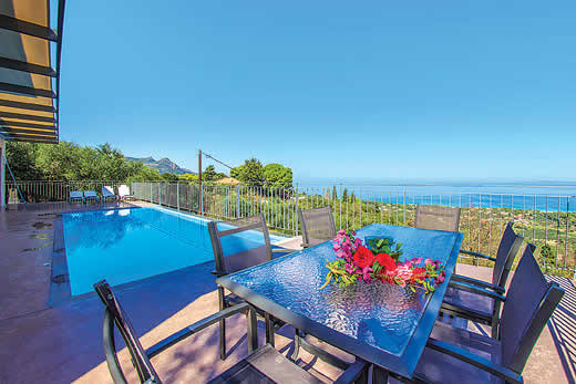 £486.00 for Zakynthos self catering holiday