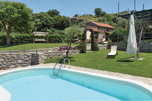 £1184.00 for villas self catering holiday