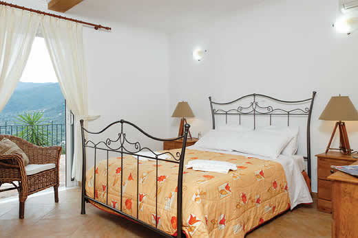 £475.00 for Lefkas self catering holiday