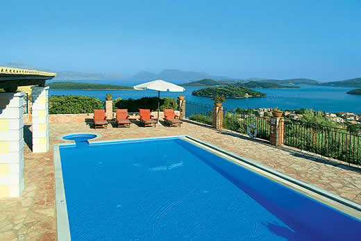 Holiday villa offer for Lefkas with swimming pool