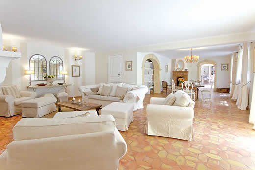 £4111.00 for Provence self catering holiday villa