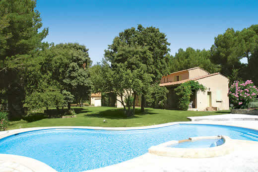 £958.00 for Provence self catering holiday villa