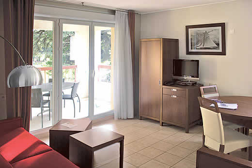 £854.00 for Cote d`Azur self catering holiday