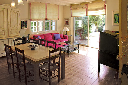 £1295.00 for Cote d`Azur self catering holiday