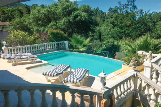 £1361.00 for Cote d`Azur self catering holiday