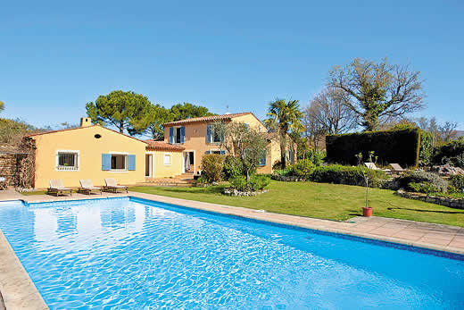 Holiday villa deal for Cote d`Azur with private swimming pool