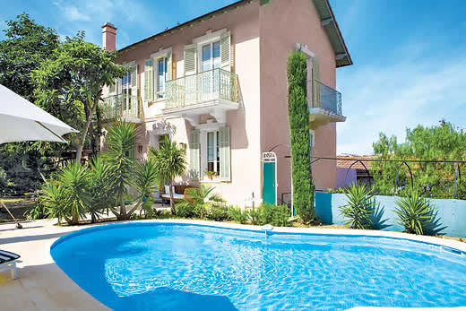 £2826.00 for Cote d`Azur self catering holiday
