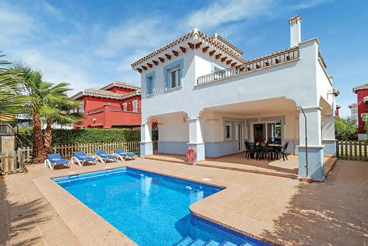 £679.00 for Costa Calida self catering holiday