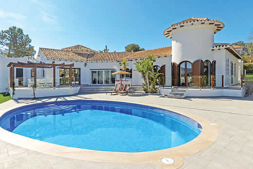 £2345.00 for Costa Calida self catering holiday