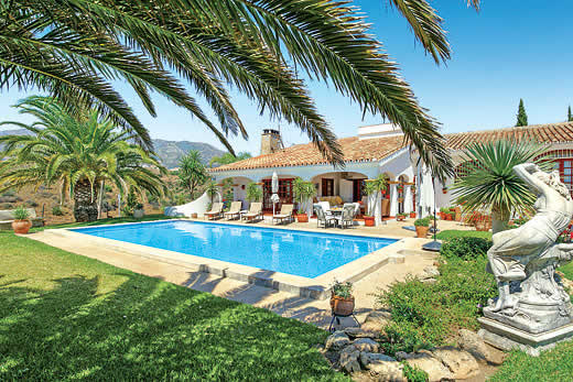 £1001.00 for Costa del Sol self catering holiday