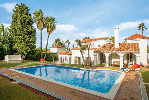 £1181.00 for Costa del Sol self catering holiday