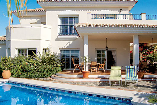 £1090.00 for Costa del Sol self catering holiday