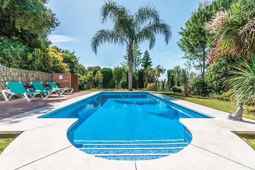 £1379.00 for Costa del Sol self catering holiday