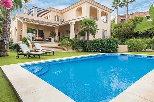 £1118.00 for Costa del Sol self catering holiday