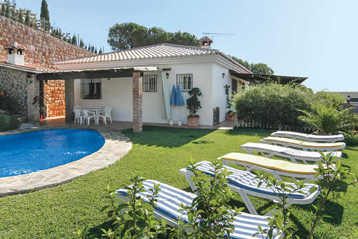 £1012.00 for Costa del Sol self catering holiday