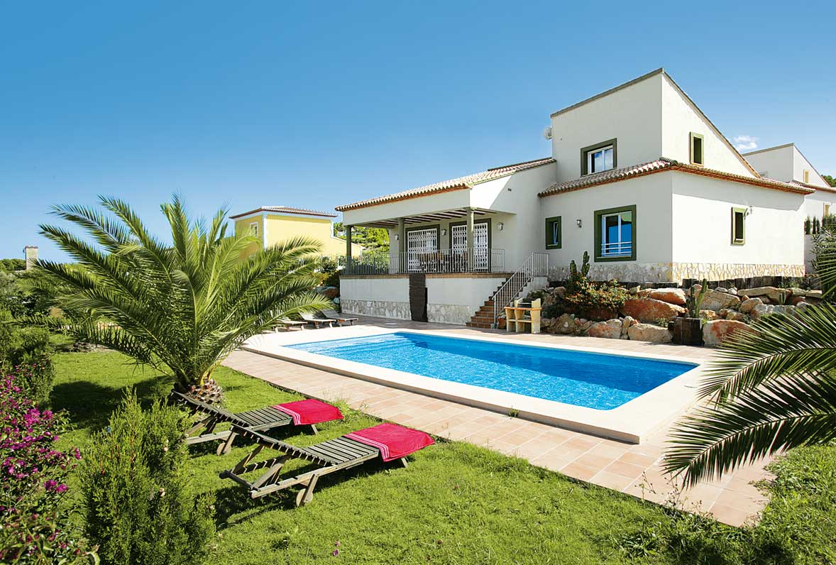Cheap villa holidays james villa holidays for Cheap holiday cottages uk
